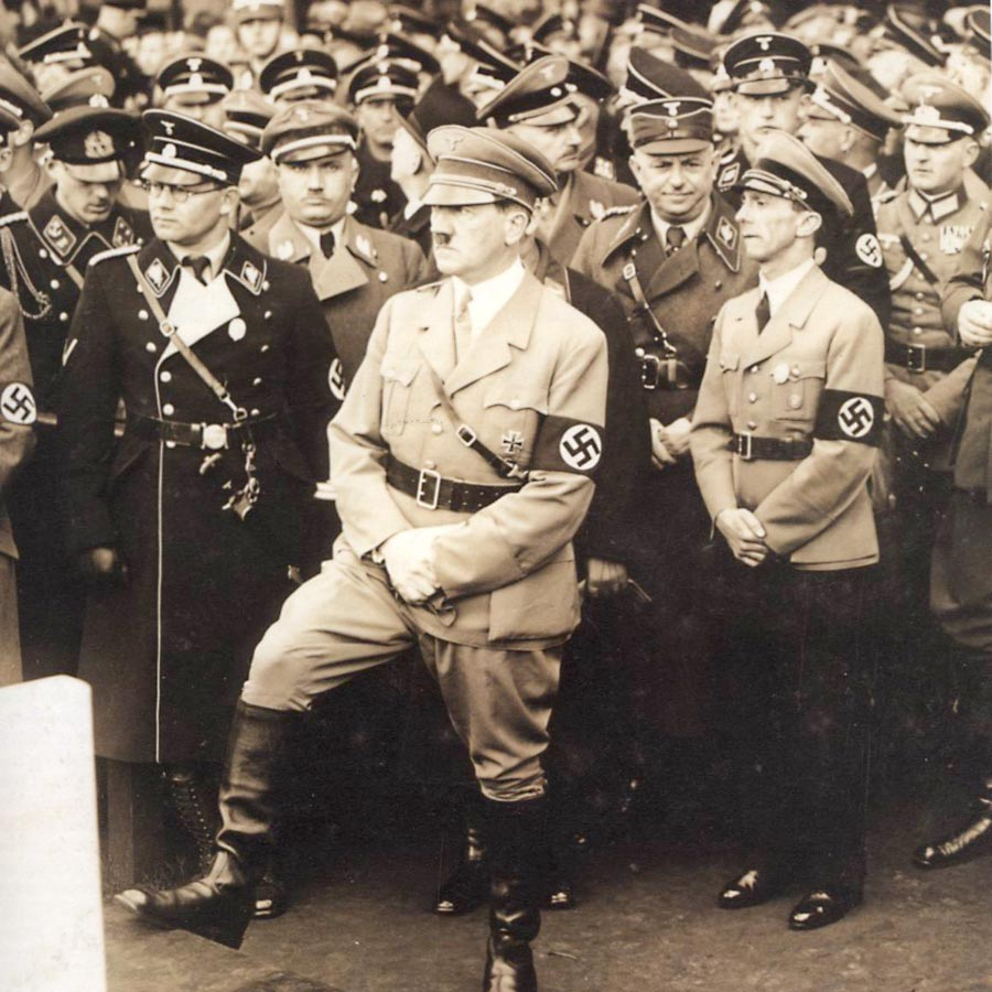 Adolf-Hitler-1935