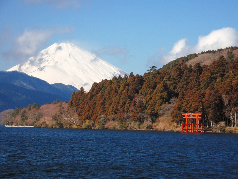 s_LakeAshi_and_MtFuji_Hakone