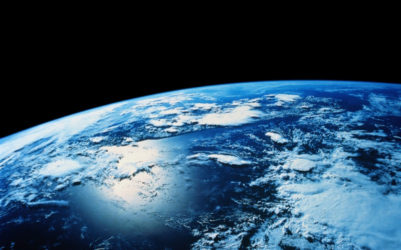 s_earth-views-clouds-color-colorful-continents-earth-horizon-hubble-overview-planet-space-space-art-universe-world